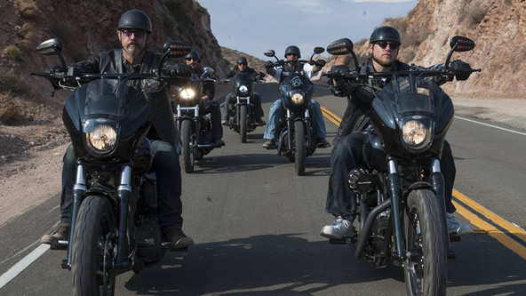 http://sonsofanarchy-italia.com/wp-content/uploads/2014/03/sons-of-anarchy-season-7-spoilers.jpg