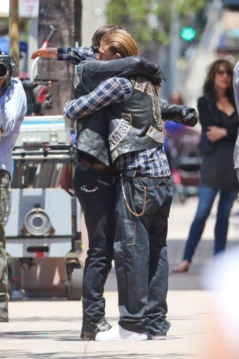 Charlie Hunnam e Tommy Flanagan SoA 7