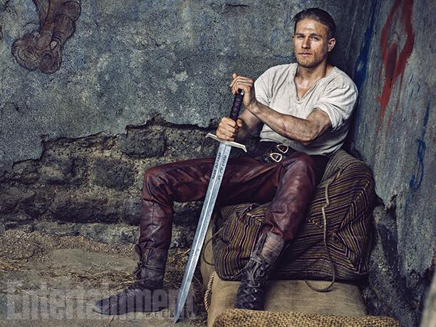 "First Look a ""King Arthur"", il nuovo film di Charlie Hunnam"